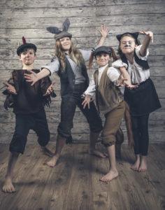 Bremenin paras bändi: (Vas.) Basso: Kukko / Gabriel Lillberg, Kazoo: Aasi / Metti Moilanen, rummut: Koira / Lilja Vellinki, Laulu: Kissa / Ronja Raittio