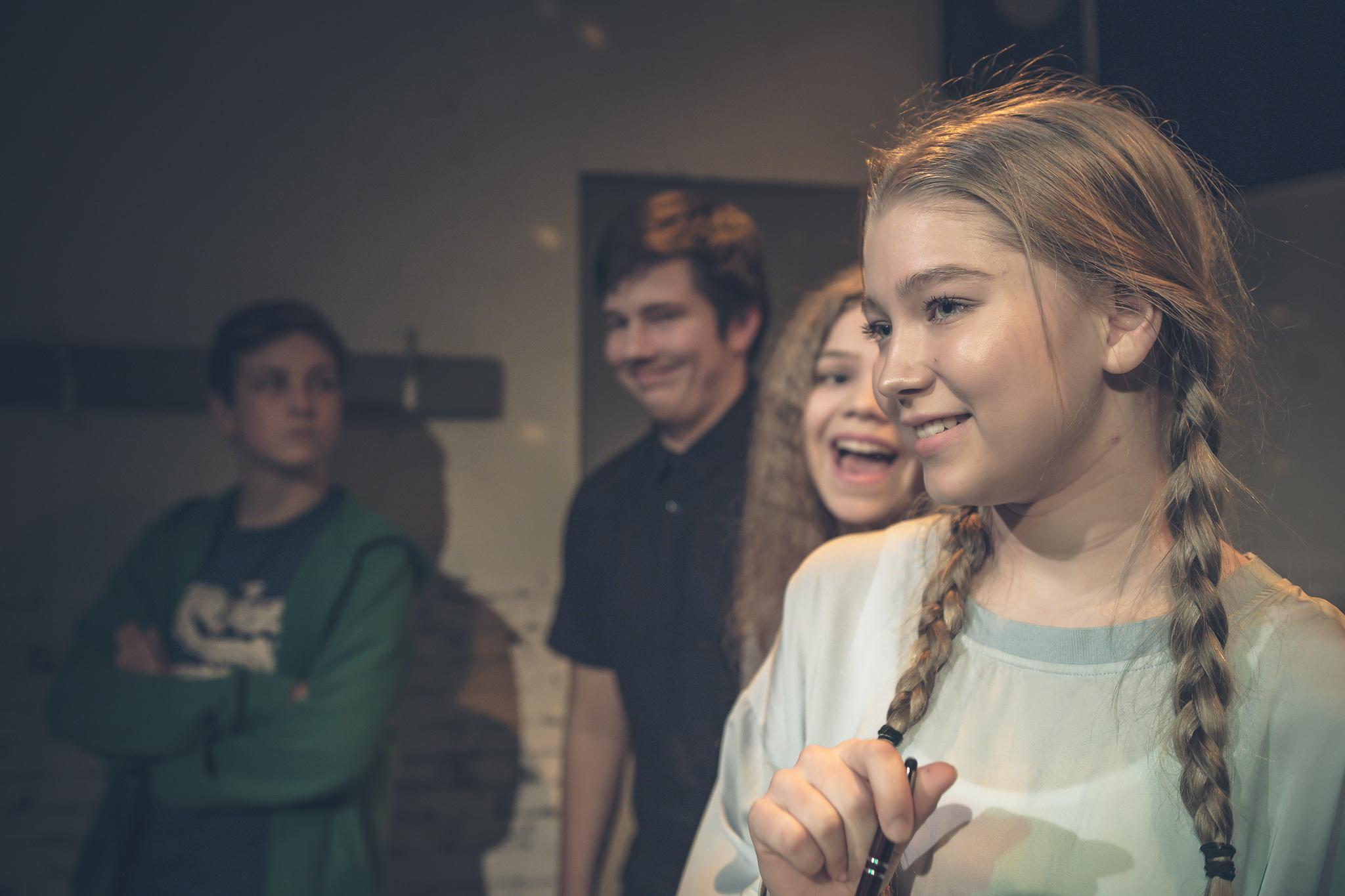 Jesse / Leevi Flinkman, Matias / Rony Kaiskola, Karoliina / Seela Moilanen, Jenni / Enna Piitulainen